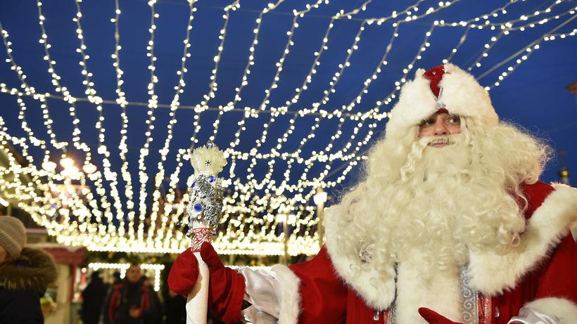 Деды Морозы пройдут парадом поцентру столицы