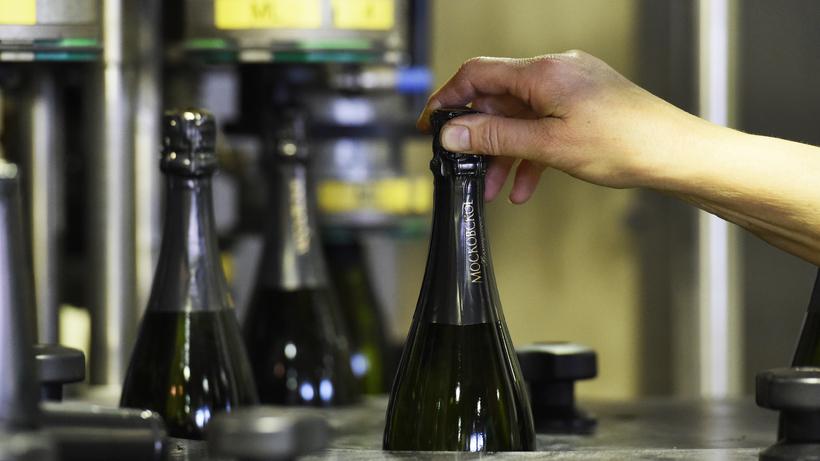 В Российской Федерации предлагают легализовать рекламу алкоголя вСМИ