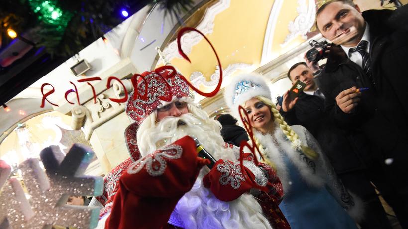 Сразу три «новогодних» поезда украсят столичную подземку