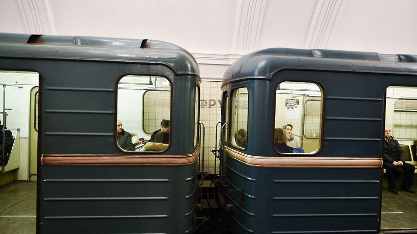 Упавший сэскалатора вмосковском метро слесарь проломил череп
