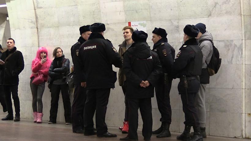 Организатора акции «Вметро без штанов» задержали в столицеРФ