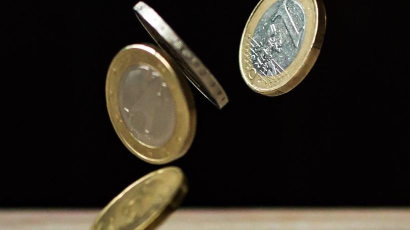 Доллар иевро пошли врост