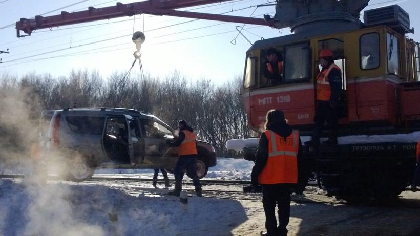 Три человека погибли вПодмосковье в итоге столкновения локомотива иавтомобиля
