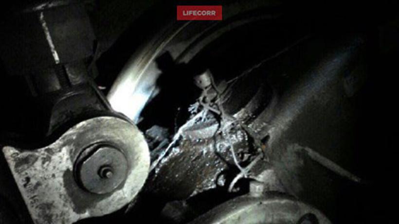 Вмосковском метро сообщили, что они некрепят детали поездов проволокой
