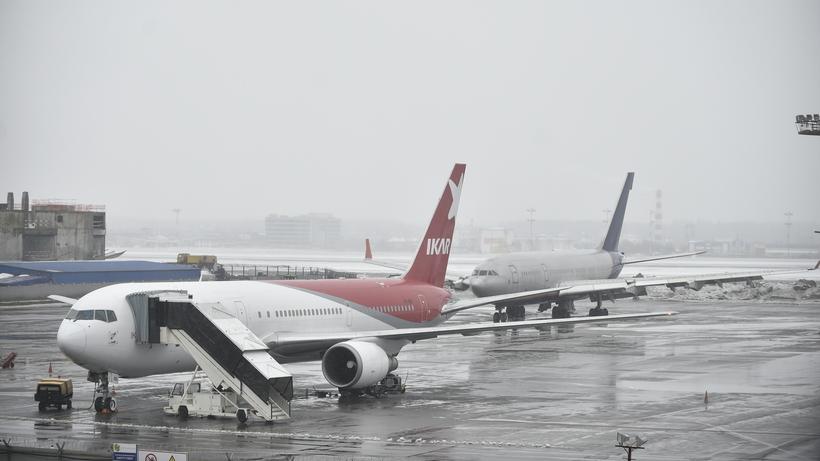 Неменее 25 рейсов задержали иотменили ваэропортах столицы