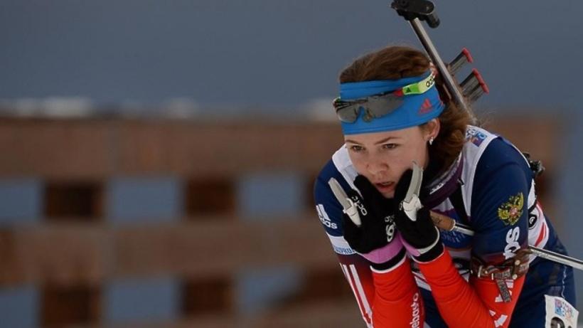 Биатлонистка Васнецова завоевала золото впасьюте наЧМ среди юниоров