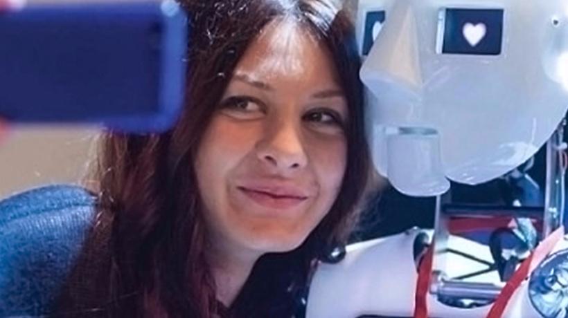 Роботы поздравят женщин с8марта наВДНХ в столице