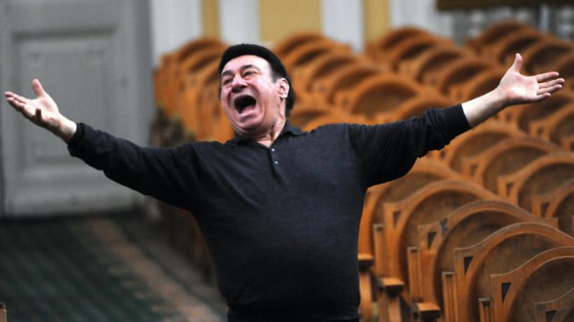 Путин поздравил оперного певца Зураба Соткилаву с80-летием