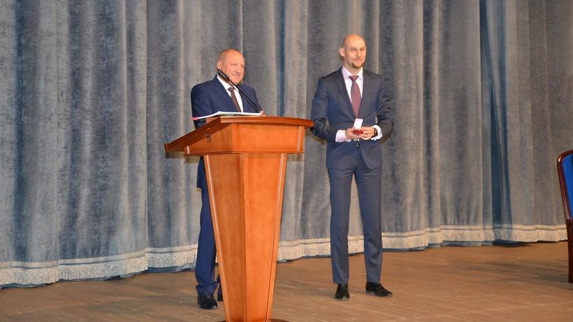 Министра энергетики Подмосковья наградили почетным знаком «За трудовую доблесть»
