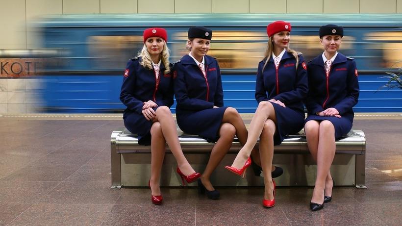 Как выглядит новая форма сотрудников метро Москвы - Фото - РИАМО 6e0c3fc7cc8
