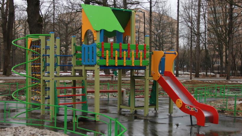 Детские площадки столицы починят к25апреля