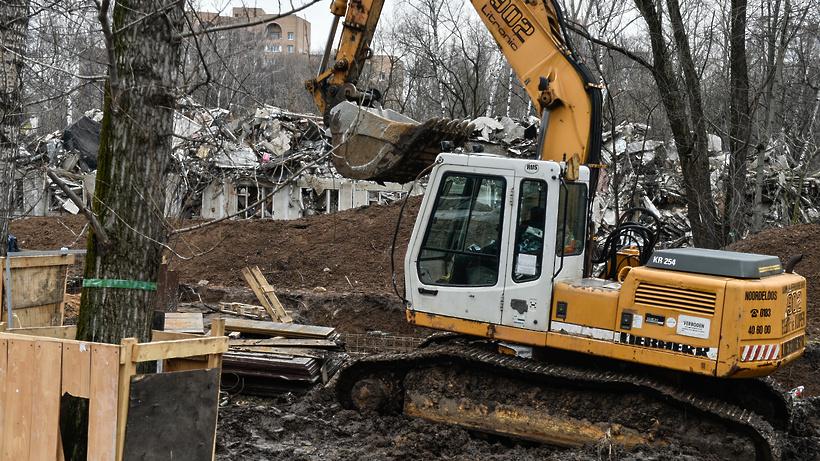 Еще одну пятиэтажку на западе Москвы ждет «умный» снос