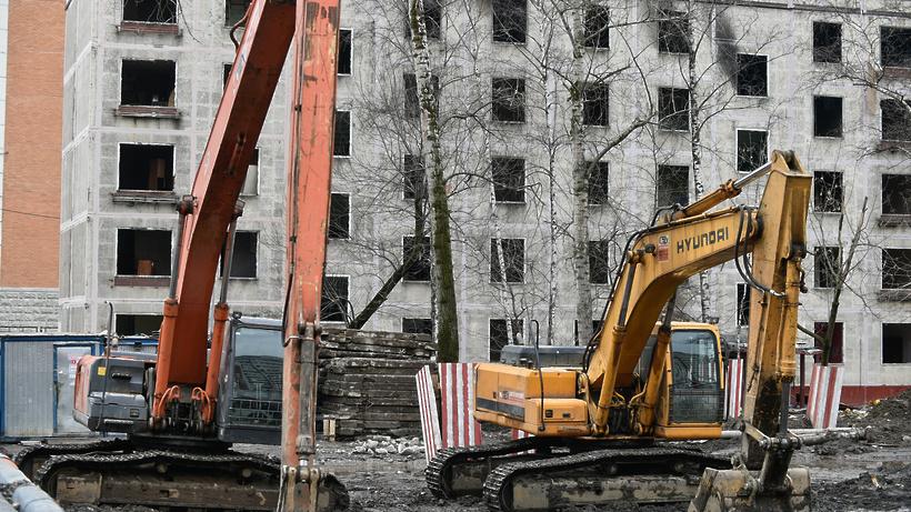 Последнюю пятиэтажку «первой волны» сносят в районе Южное Медведково Москвы