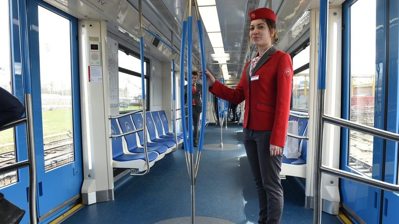 Вертикальные поручни убрали впоездах «Москва»