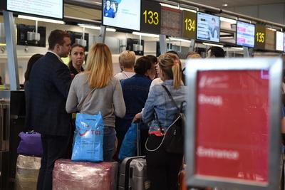 Количество отмененных и задержанных рейсов в аэропортах Москвы выросло до 48