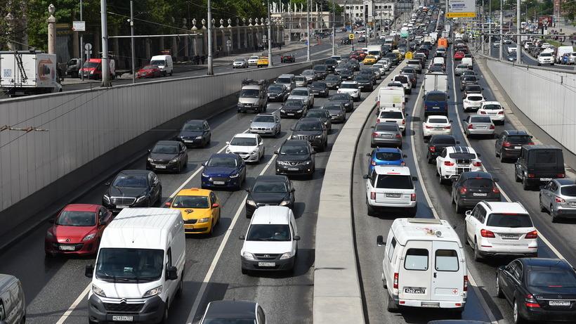 Специалисты проинформировали оросте продаж в столице новых машин премиум-класса