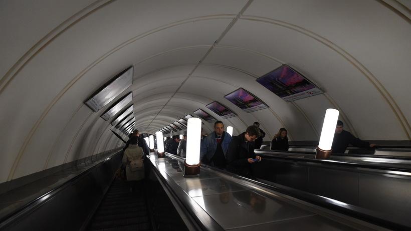 Столичное метро может расторгнуть договор сосвоим основным оператором рекламы