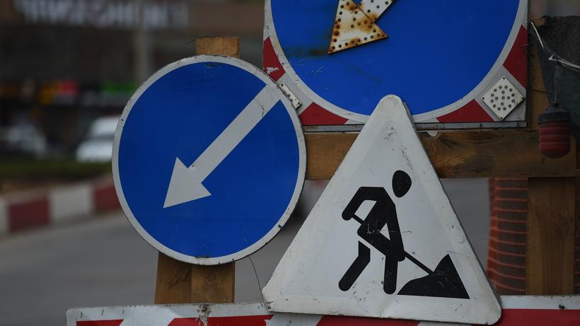 Ремонт дорожного покрытия начался наРублевском шоссе встолице