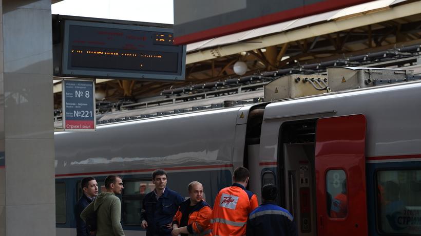 Три человека обратились замедпомощью после столкновения поездов наКурском вокзале— МЧС