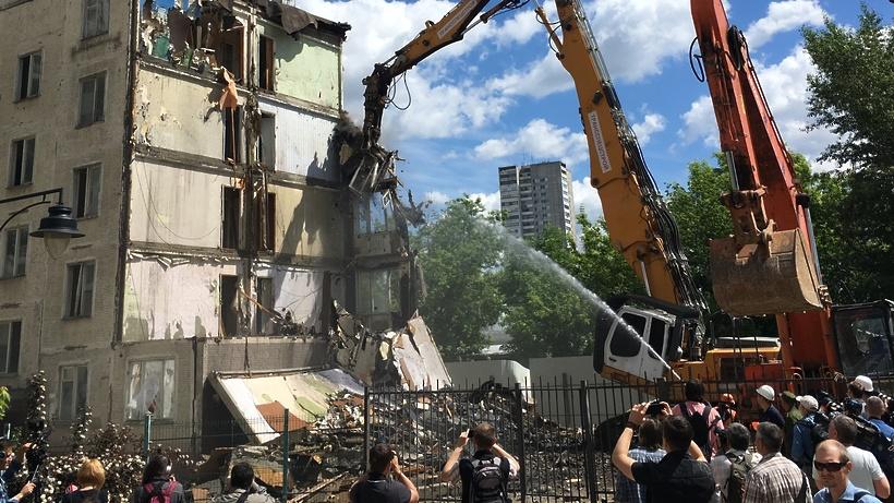 Пятиэтажки общей площадью неменее 6 млн кв.м снесены в столице