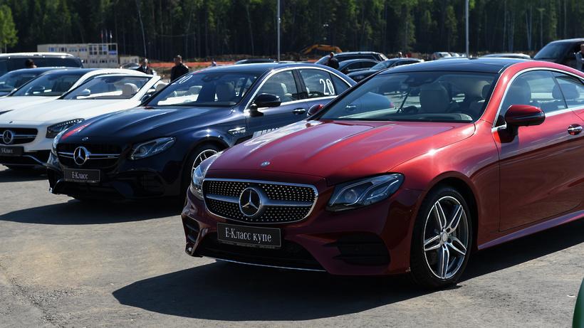 Mercedes отзывает 9,3 тысячи авто в РФ