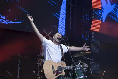 Онлайн‑развлечения в Москве: концерт группы «Сплин» и неделя моды MBFW Russia