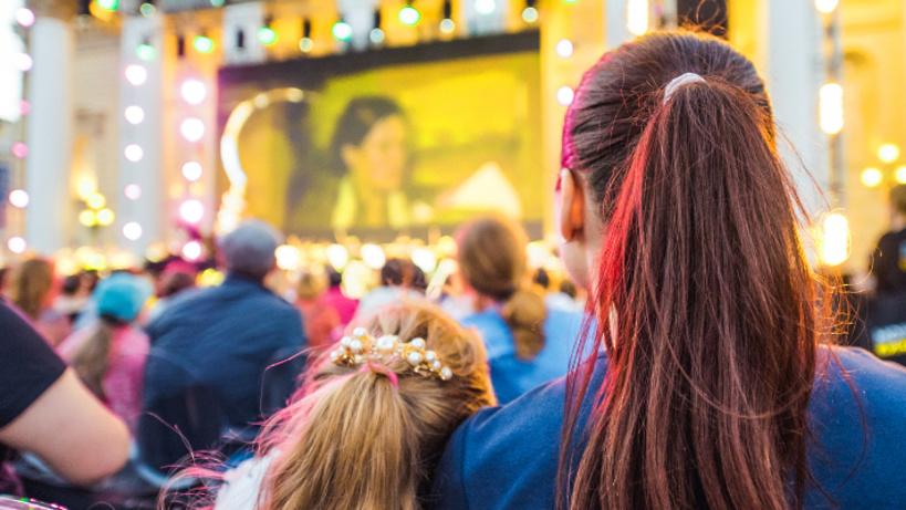 В столице России начинают работу летние передвижные кинотеатры