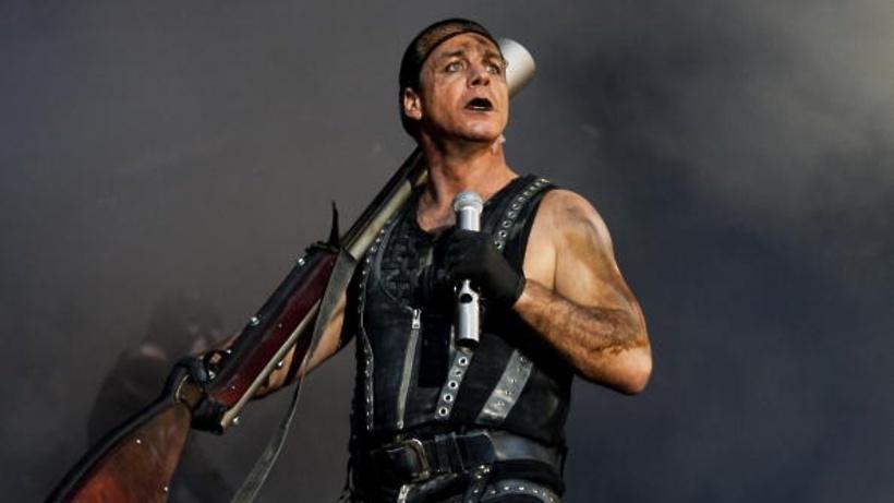 В РФ  зрители концертов солиста Rammstein несмогут снять шоу нателефон