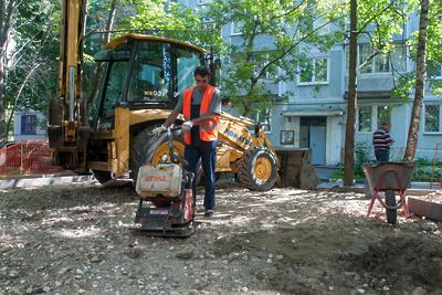 В микрорайоне Подольска комплексно благоустроят семь дворов в 2018 году