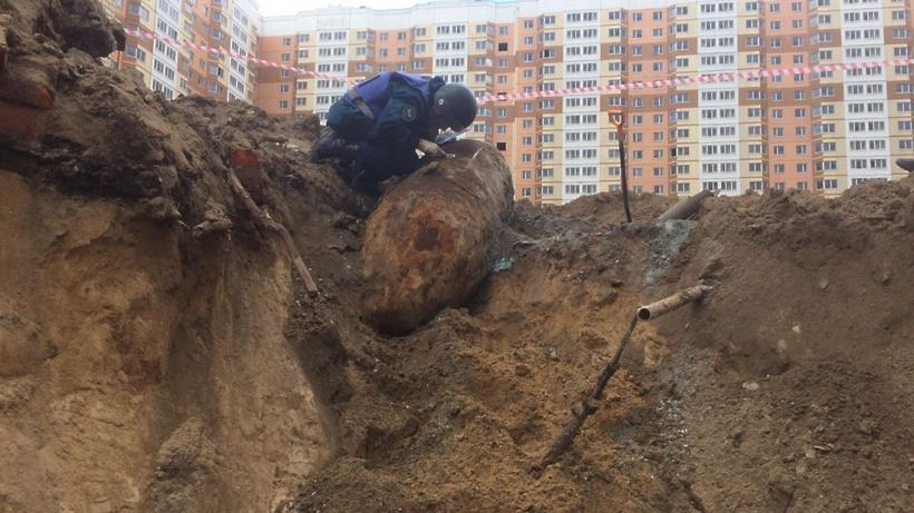 Обезврежена авиационная бомба времён ВОВ весом неменее  тонны