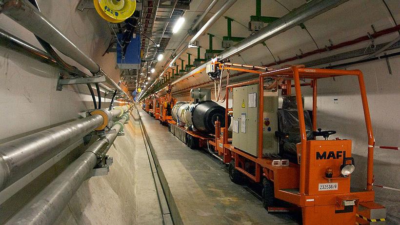 Руководство выделит 330 млн руб. на модификацию огромного адронного коллайдера