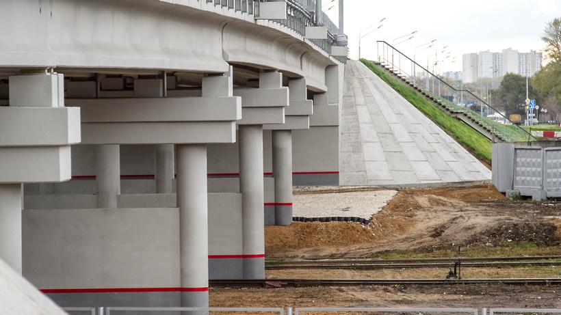 Завершается строительство путепровода через МЦК натерритории бывшего завода ЗИЛ