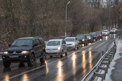 Пробка длиной около 6 км образовалась на Октябрьском проспекте в Люберцах