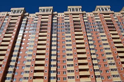 Ключи от квартир получили 50 переселенцев из аварийного жилья в орехово‑зуевском районе