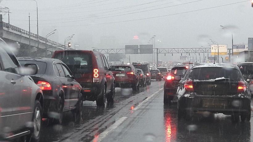 ЦОДД: впоследние две недели декабря дорожная ситуация в российской столице будет напряженной