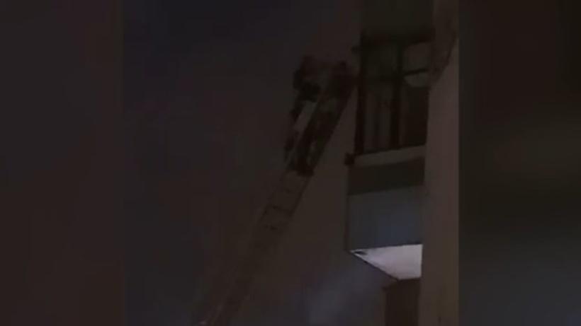 В новейшей  столице России  эвакуируют граждан  17-этажного дома из-за  пожара