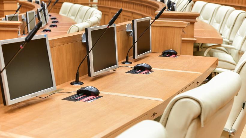 Патент наработу для иностранцев вМосковской области вырастет 300 руб.