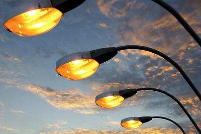 В микрорайоне Львовский Подольска выявили 20 неработающих светильников и 1 светофор
