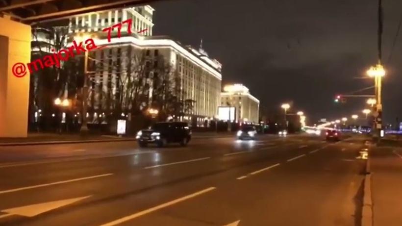 ГИБДД расследует гонки уздания Минобороны в столице России