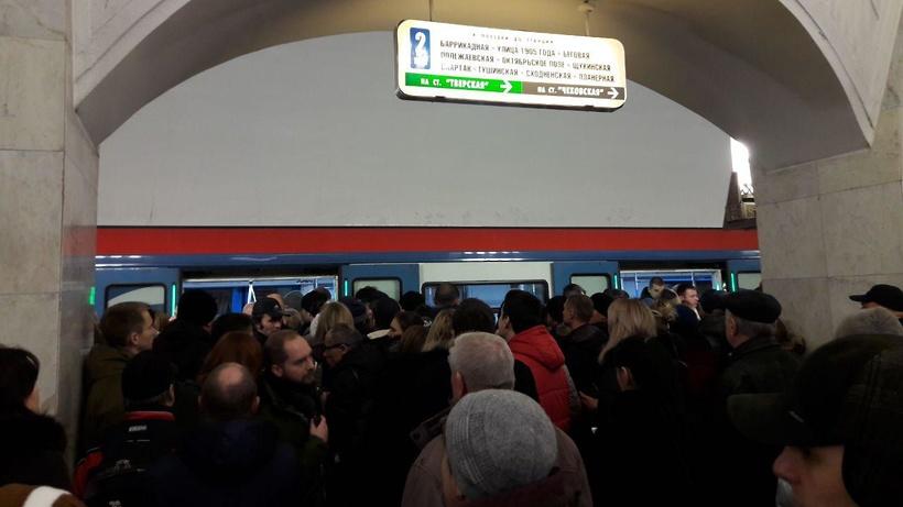 Произошел сбой вдвижении по«фиолетовой» линии метро столицы