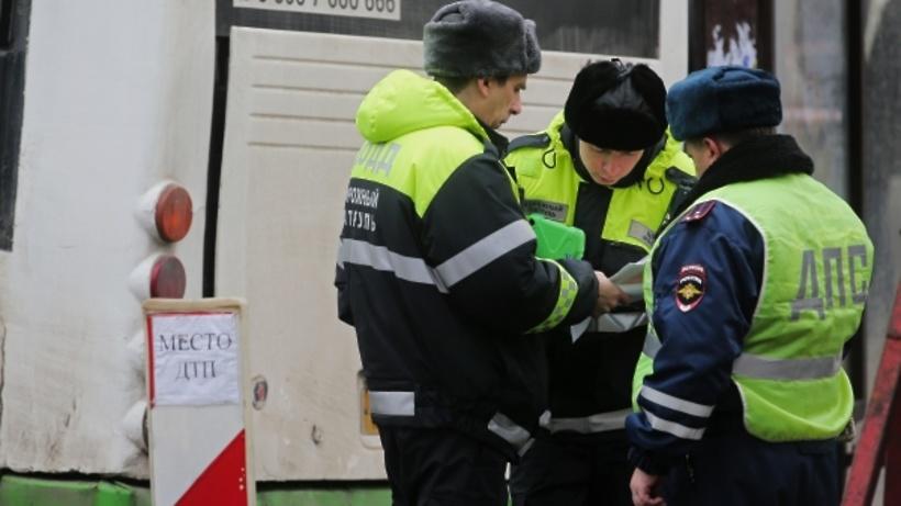 СКвозбудил дело после наезда автобуса наостановку в столицеРФ