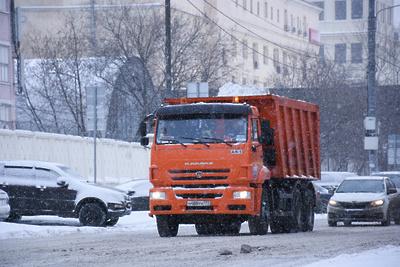 Дорожный комплекс Подмосковья перешел на усиленный режим работы из‑за снегопада