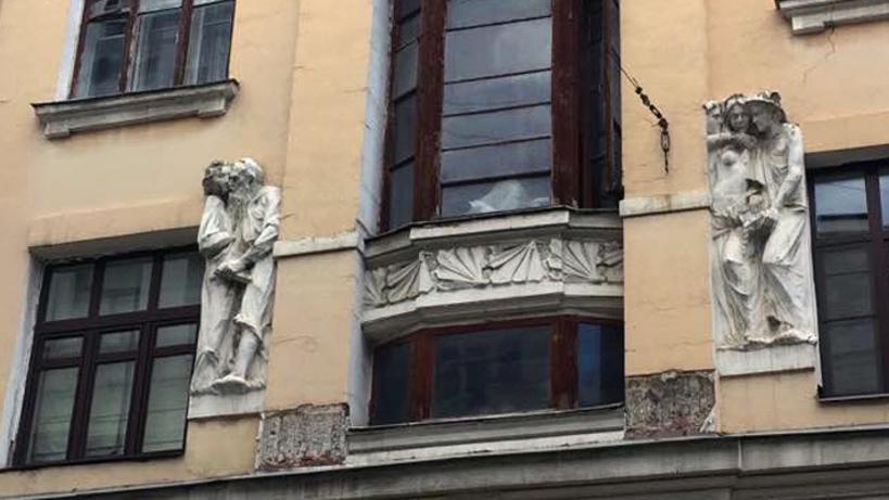 В столице началась реставрация фасадов «Дома списателями»