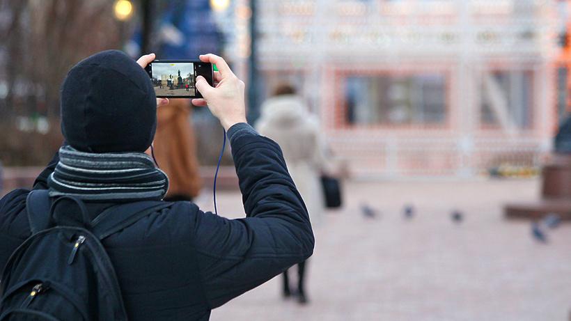 На дорогах столицы появились 11 виртуальных двойников Ломоносова