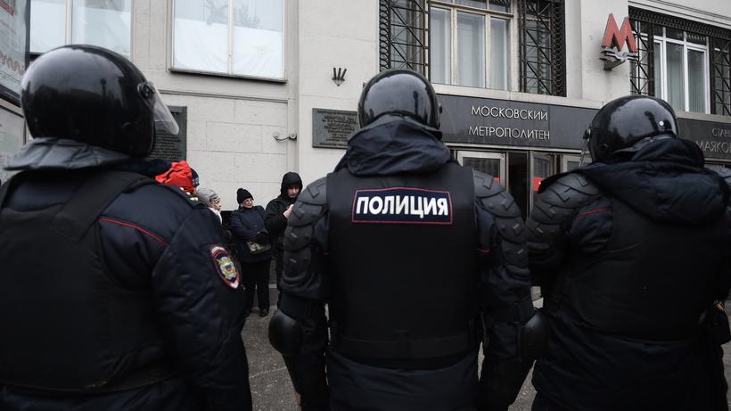 Политик Алексей Навальный схвачен  вцентральной части Москвы