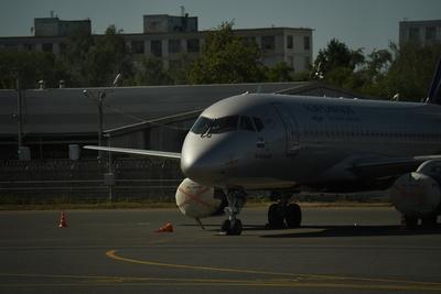 Более 25 рейсов отменили и задержали в столичных аэропортах в воскресенье