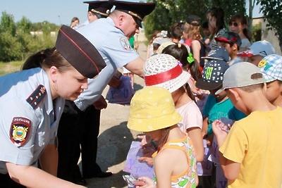 Полицейские Королева рассказали воспитанникам детсада №38 о правилах поведения на дороге