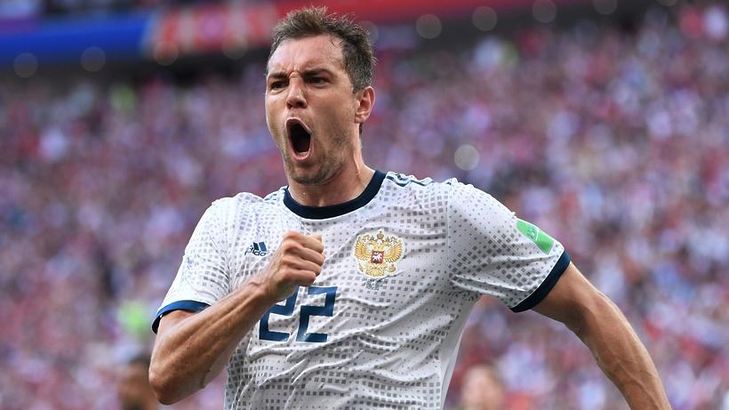 Футбольная сборная РФ одолела испанцев ивышла вчетвертьфиналЧМ
