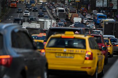 Пробки на дорогах Москвы достигли 7 баллов