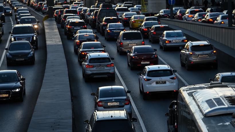 Пробки на дорогах столицы могут достичь 8 баллов вечером во вторник